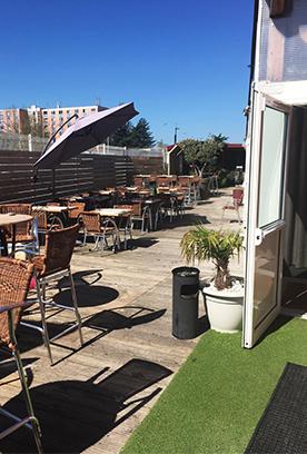 Terrasse du restaurant de Meyzieu La Table de Lyse